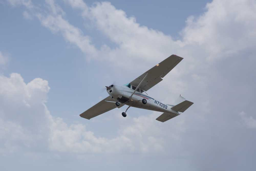 Cessna 172 in the air